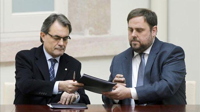 Artur-Oriol-Junqueras-gobernabilidad-EFE_EDIIMA20121219_0380_16